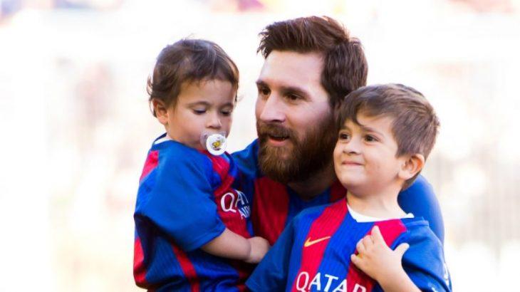 خوشحالی پسر مسی از ناکامی بارسلونا +فیلم