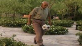 فیلم بازتاب روپایی زدن پیرمرد ایرانی