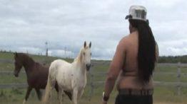 رابطه جنسی مردی با اسب در آمریکا رابطه جنسی با حیوانات